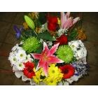 Ramo flores variadas con 2 rosas
